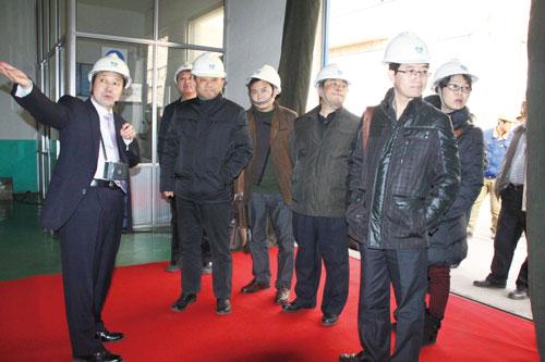 攀钢集团矿业公司领导来公司考察并签订1000多万元供货合同